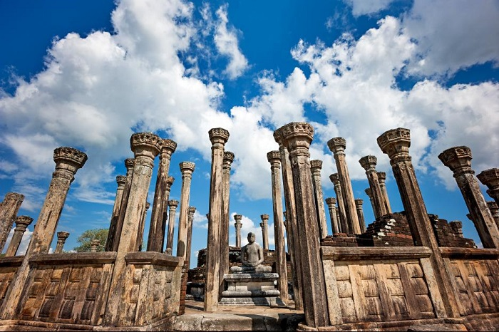 monkey-kingdom-ancient-ruins-around-Sri-Lanka-South-Asia