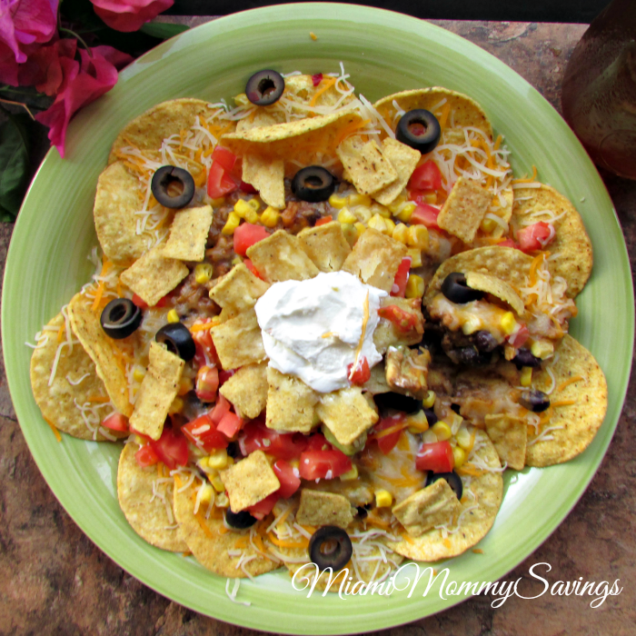 Making meals doesn't have to be complicated. Just grab a few fresh ingredients and add them to your favorite prepared box meal and voila, you have a delicious meal like this Easy Crunchy Taco Nacho Dinner. More at CleverlyMe.com