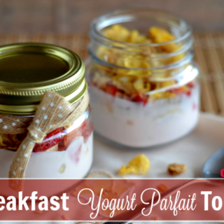 breakfast-yogurt-parfait-to-go-cleverly-me