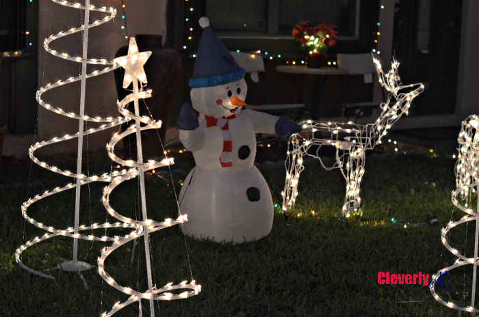 Tips for Staying Energy Efficient During the Holiday Season. More at CleverlyMe.com