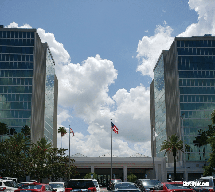 Why Should You Stay at the Doubletree by Hilton at the Entrance to Universal Orlando? Find all the reasons why at Cleverlyme.com