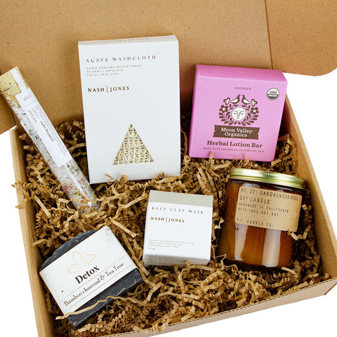 Earth Hero Self Care Gift Box part of the Valentine's Day Gift Guide at CleverlyMe.com